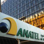 Base de telefonia móvel no Brasil cai 2,7% em outubro sobre um ano antes, diz Anatel