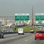 Caminhoneiros recebem tratamento diferenciado nas rodovias paulistas durante a pandemia de Covid19